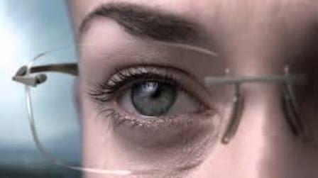 Manfaat Kacamata dengan Lensa Essilor Crizal
