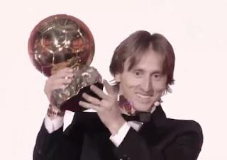 Luka Modric pemain terbaik dunia 2018