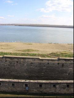 Vedere de la nivelul superior spre Dunare