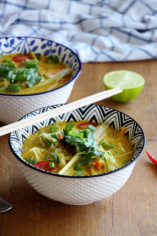 Tom Kha Hed | Thailändische Ingwer - Kokossuppe mit Pilzen
