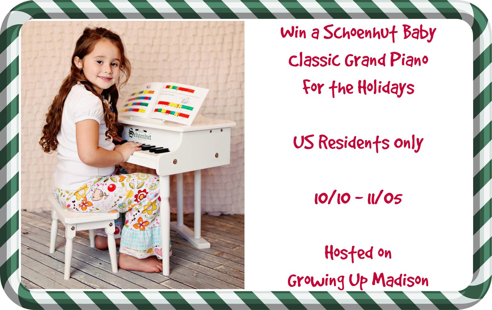 Schoenhut Baby Classic Grand Piano