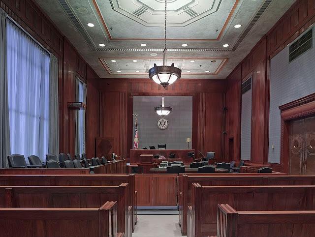 Procurador do Município não pode cumular com Legislativo.
