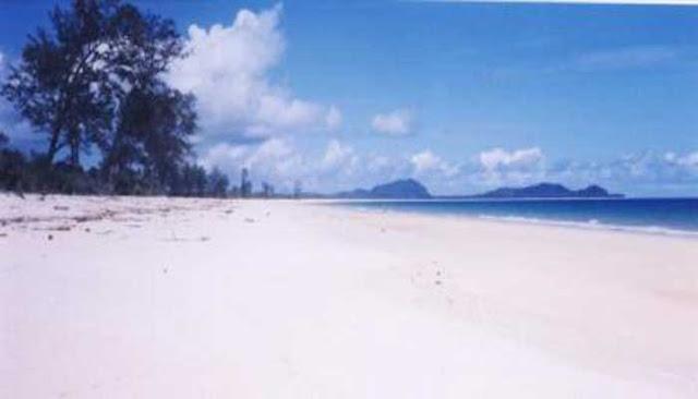 Sisi Serasan Pantai Terbersih Di Indonesia