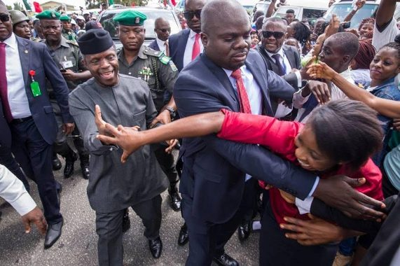 Check out the warm reception acting President Yemi Osinbajo received from Cross Rivers state residents as he visits the state(photos)