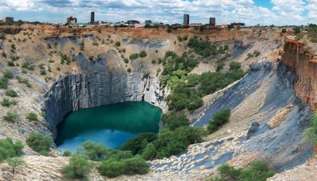Berikut Enam Lubang Air Paling Indah Dari Berbagai Belahan Dunia