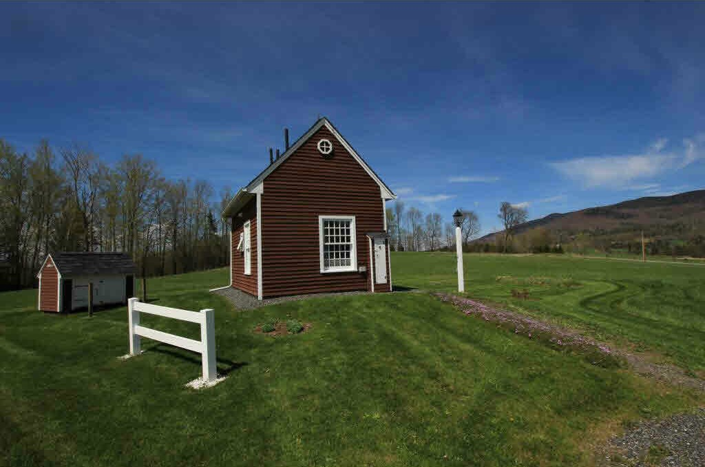 Vermont Tiny House With 10 Acres TINY HOUSE TOWN