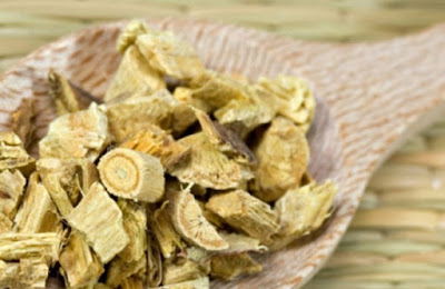 Chew the fresh Licorice root or crushed the dried root into the powder and mix with the honey.