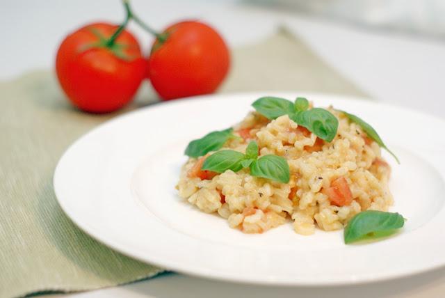 Pomysł na prosty i szybki obiad w kilku krokach - Risotto pomidorowo-bazyliowe