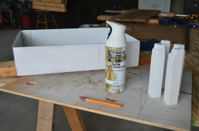 Spray paint box and base board