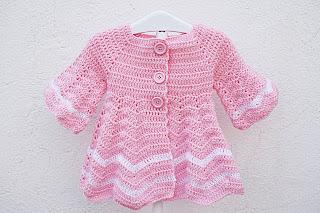 Abrigo a crochet muy fácil, capeado, por Majovel de color rosa