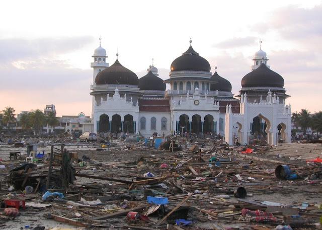 Aceh Kibarkan Bendera Setengah Tiang untuk Peringati 12 Tahun Tsunami