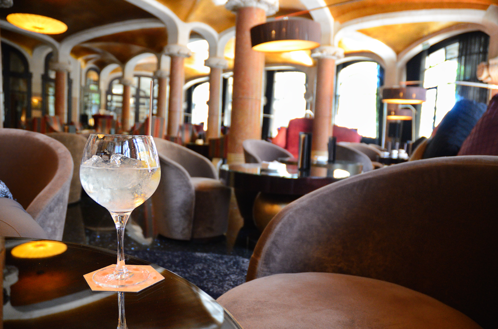 Gin and tonic at Cafe Vienes, Hotel Casa Fuster Barcelona