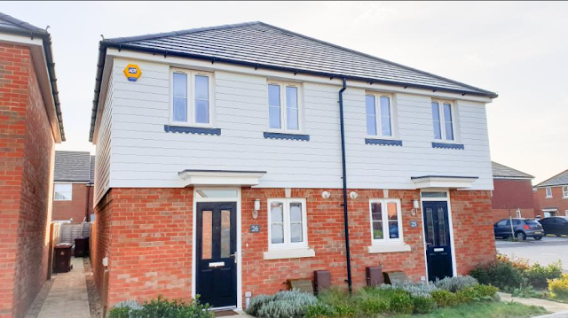 2 bed house, Hangar Drive, Tangmere, Chichester, West Sussex,