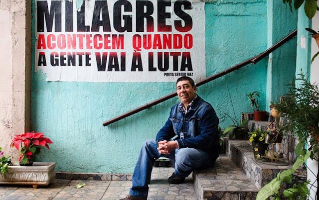Com um toque de letra, Sergio Vaz usa o futebol de várzea para incentivar a poesia entre os jogadores #VarzeaPoetica