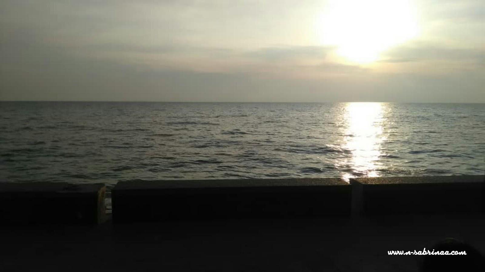 jalan-jalan pantai morib