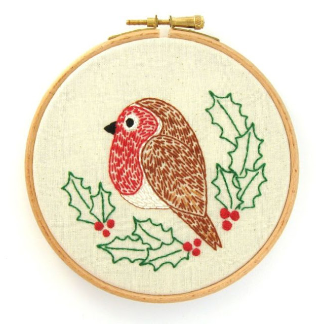 Christmas robin and holly embroidery pattern