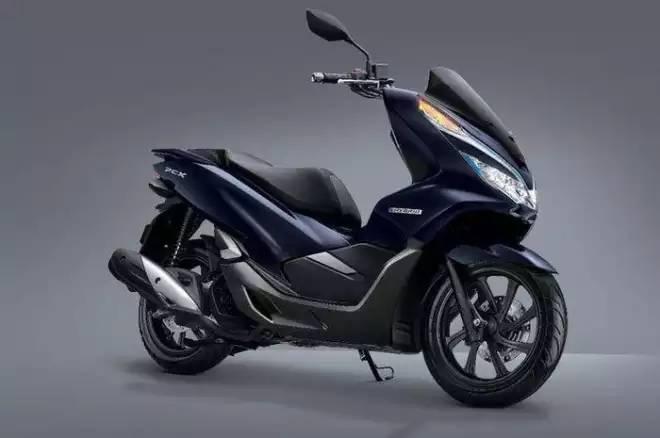Honda PCX Hybrid : Sudah Launching Tapi Belum Sah Dijual Di Tanah Air, Kenapa?