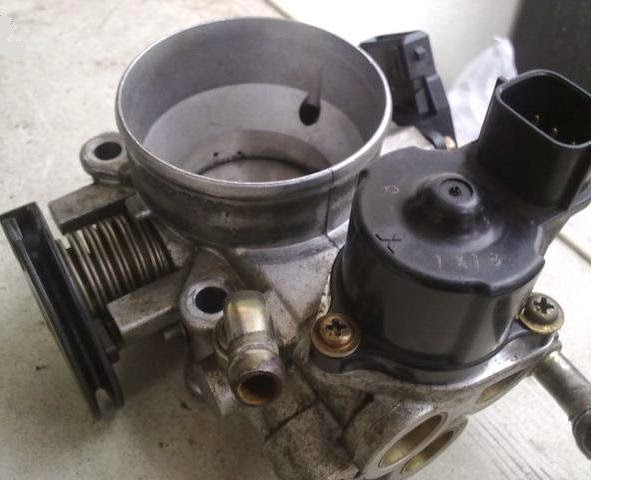 3. throttle body (tempat katup gas).