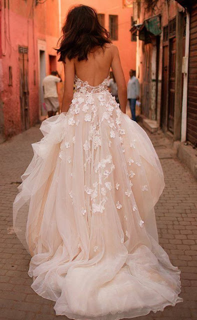 Tulle-ball-gown-pink-wedding-dress