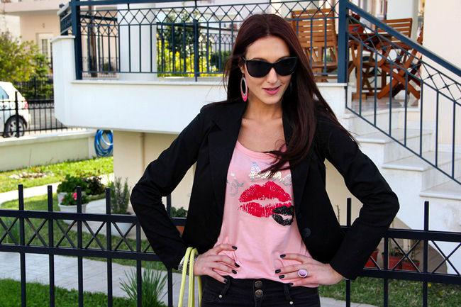 Terranova pink kiss printed shirt