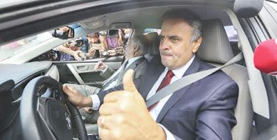 Temer e FHC, Aécio Neves diz que povo tem que engolir perda de direitos