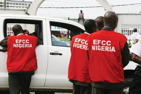 Shocker!!! EFCC Arrests its Own Driver and Two Others for Fraud...See Details
