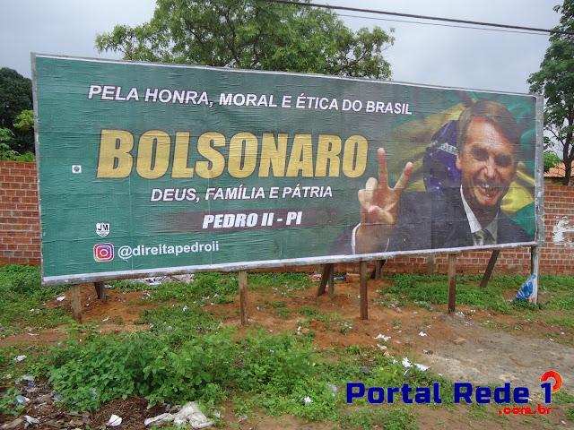 Homenagem a Bolsonaro gera polêmica em Pedro II