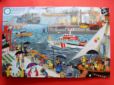 coś się dzieje w porcie, 24 godziny, książka obrazkowa kartonowa, port i statki