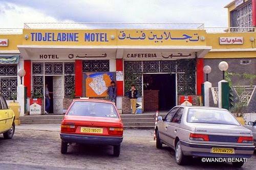 """Un caffè e """"sosta pipì"""", nel deserto algerino"""
