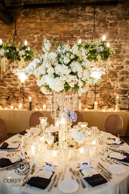Flower Gallery Centerpiece | Corey Cagle Photography