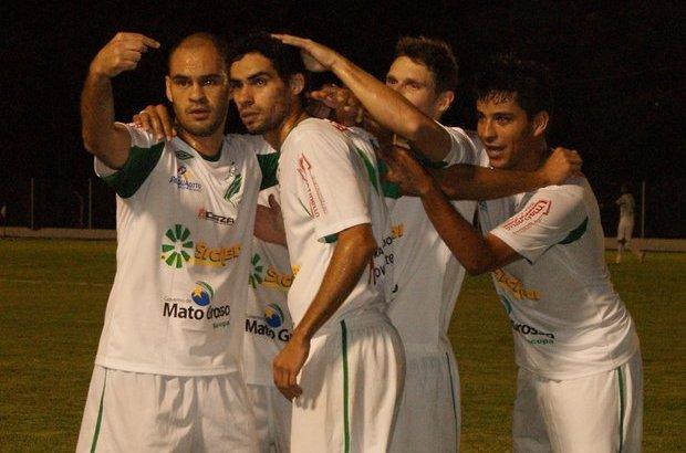 O Luverdense conquistou na noite desta terça-feira (02) sua primeira  vitória no Campeonato Brasileiro da Série C ao golear o Rio Branco do Acre  por 4 x 0. c7a7defbe1