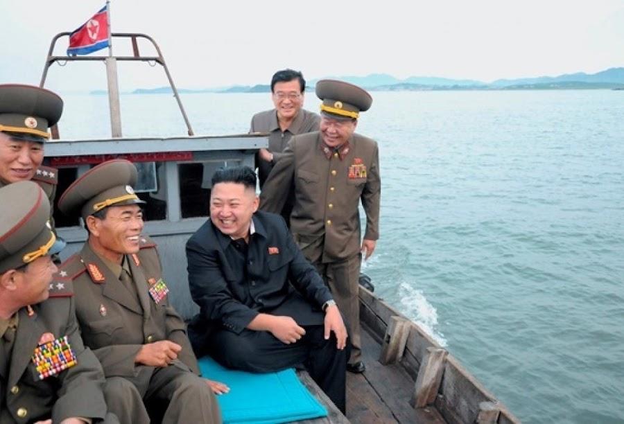 Северокорейская ракета упала на город в КНДР