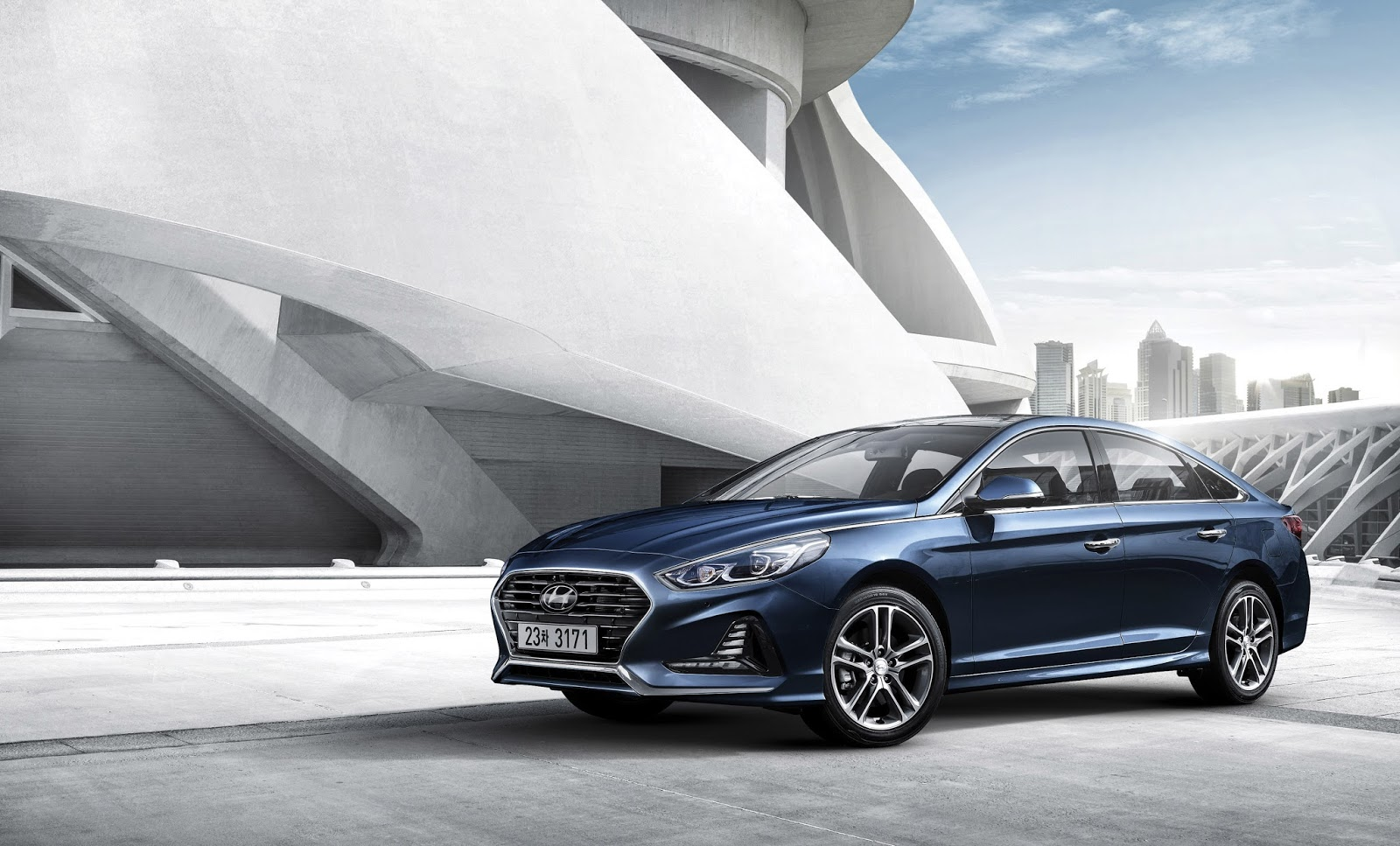 refreshed 2018 hyundai sonata shows its face in korea carscoops. Black Bedroom Furniture Sets. Home Design Ideas