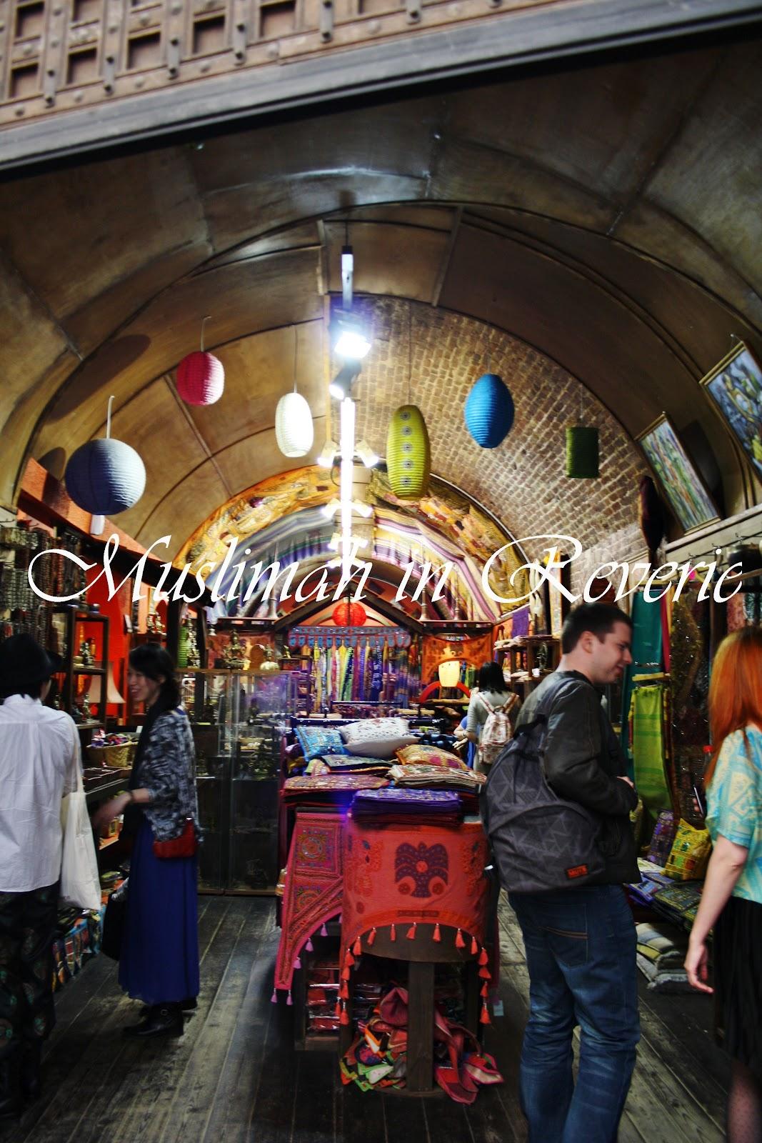Camden Town: London: Camden Town Market « Www.muslimahinreverie.com