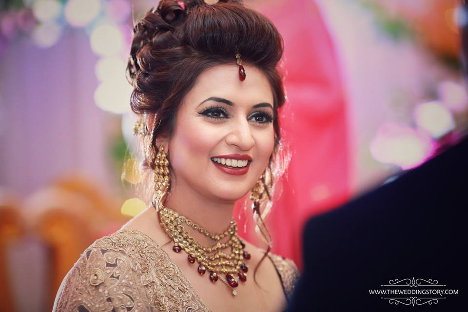 ishita   divyanka tripathi wedding sri lanka hot picture