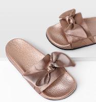 http://fr.shein.com/Bow-Tie-Design-Satin-Slides-p-354510-cat-1751.html