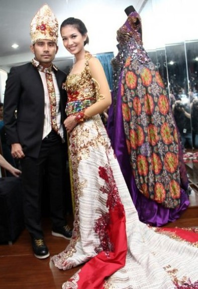Model Kebaya Couple Keluarga Modern
