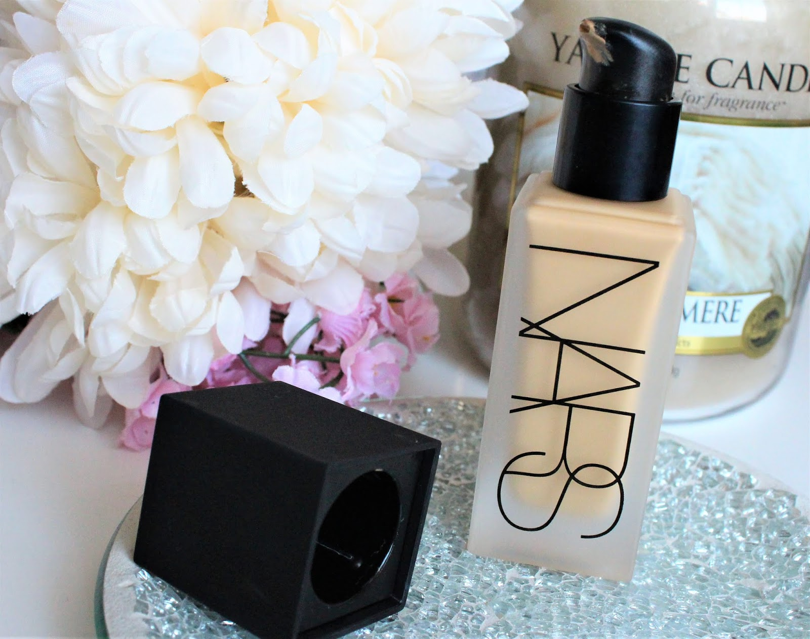 nars luminous weightless foundation review