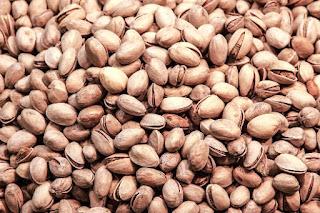 kacang, nuts