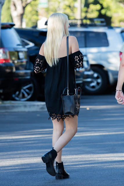 Ava Sambora Street Fashion – Leaving Sugarfish Sushi in LA