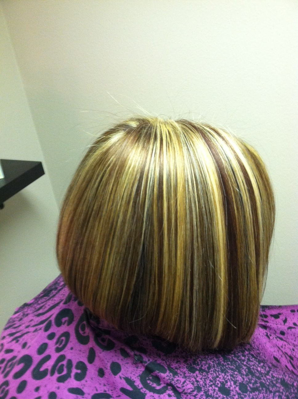 Kelly M Harmsen Owner Of Bossa Nova Hair Amp Art Salon