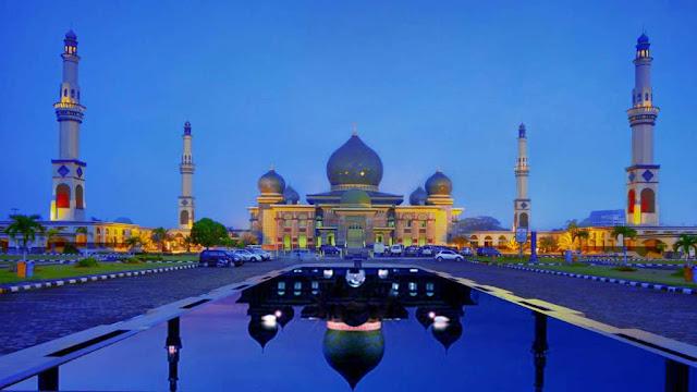 2.  Masjid Agung An-Nur Pekanbaru