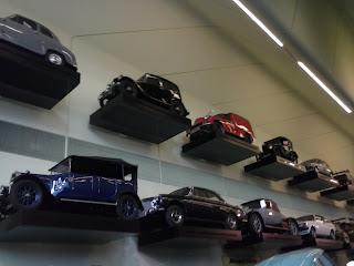 autá vystavené v múzeu