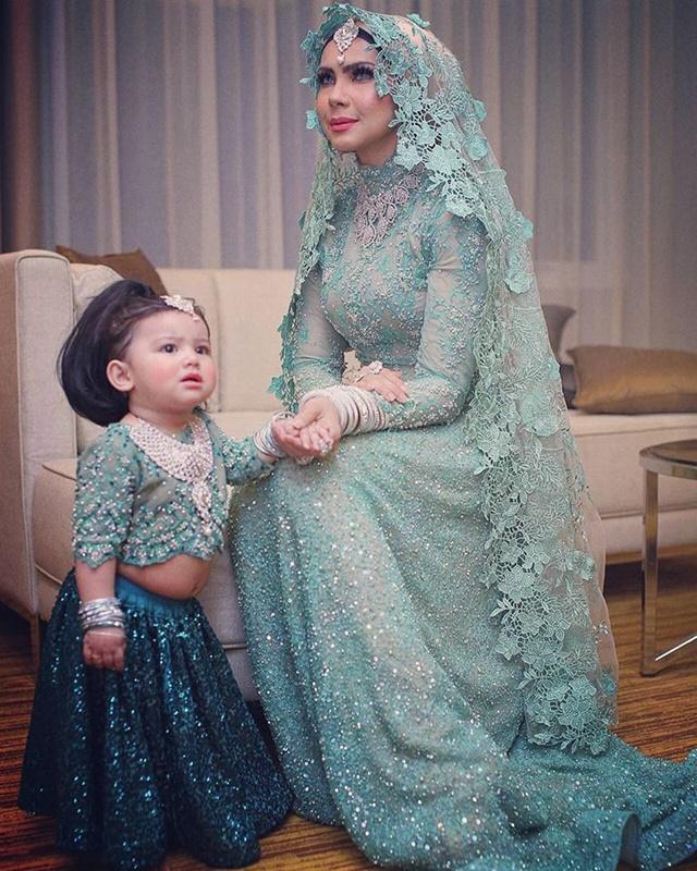 Foto Comel Aaisyah Dhia Rana di Majlis Resepsi Pereka Fesyen