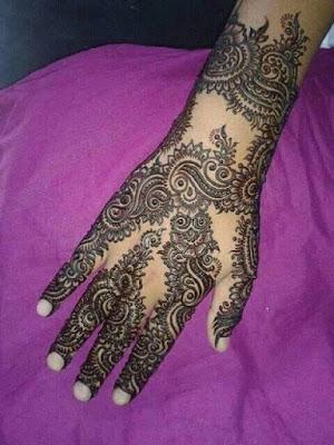 Simple Black Mehndi Designs For Hands