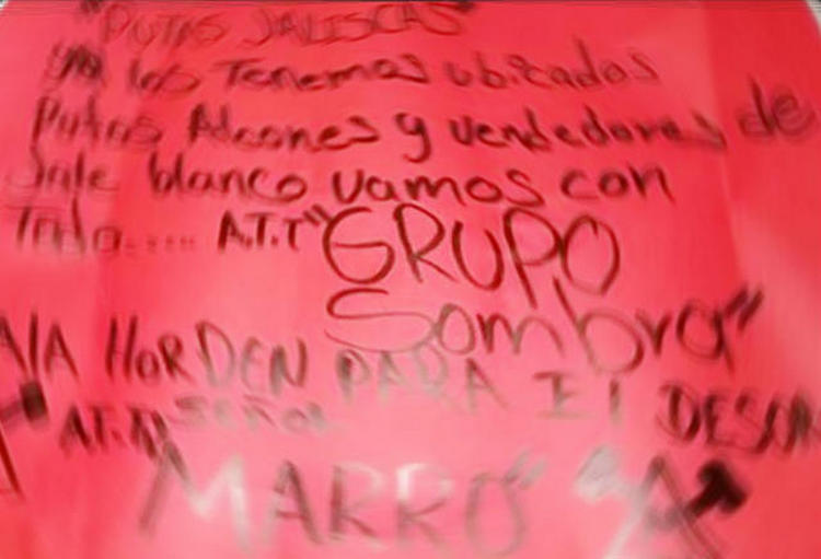 """Sicarios de """"Grupo Sombra"""" a la orden de """"EL Marro"""" ejecutan y decapitan a mujer por alconear para el CJNG en Irapuato"""