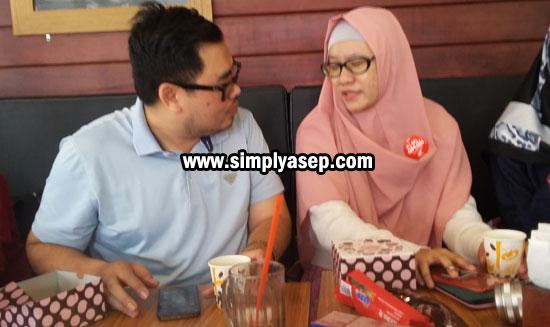 PEMBICARA : Dodon Jerry (travel and food blogger Pontianak) dan Dian Safitri Ravi (SEO StyleBlogger Jakarta).  Foto Asep Haryono