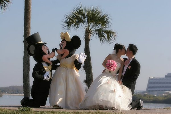 Disney Land Located In Anaheim California Is The Original Park With Sleeping Beauty S Castle As Backdrop Of Your Wedding Grandest