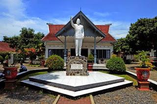 Istana Gebang, Blitar, Jawa Timur