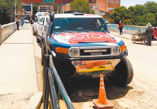 Para el Dakar algunos del Team Bolivia pasan por la frontera de Villazón y La Quiaca